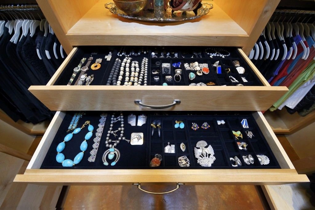 Organized jewelry trays make getting ready fun!